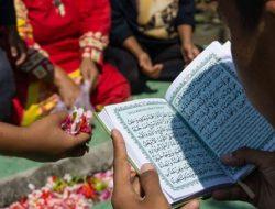 Doa Ziarah Kubur dan Hukumnya dalam Islam, Lengkap dengan Artinya
